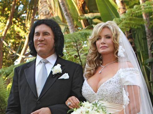 See Gene Simmons Shannon Tweed In Wedding Special