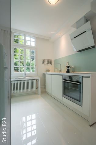 Küche mit Hochglanz Laminat | Pinterest | Hochglanz laminat, Laminat ...