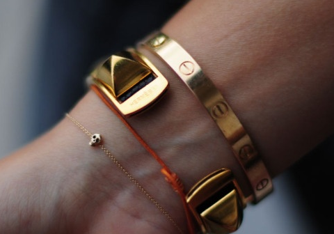 Stacking cartier!