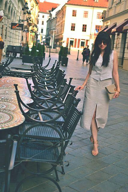 S PRÍVLASTKOM ŽENSKÁ_Katharine-fashion is beautiful_Sukňa_Vesta_Béžová_Katarína Jakubčová_Fashion blogger
