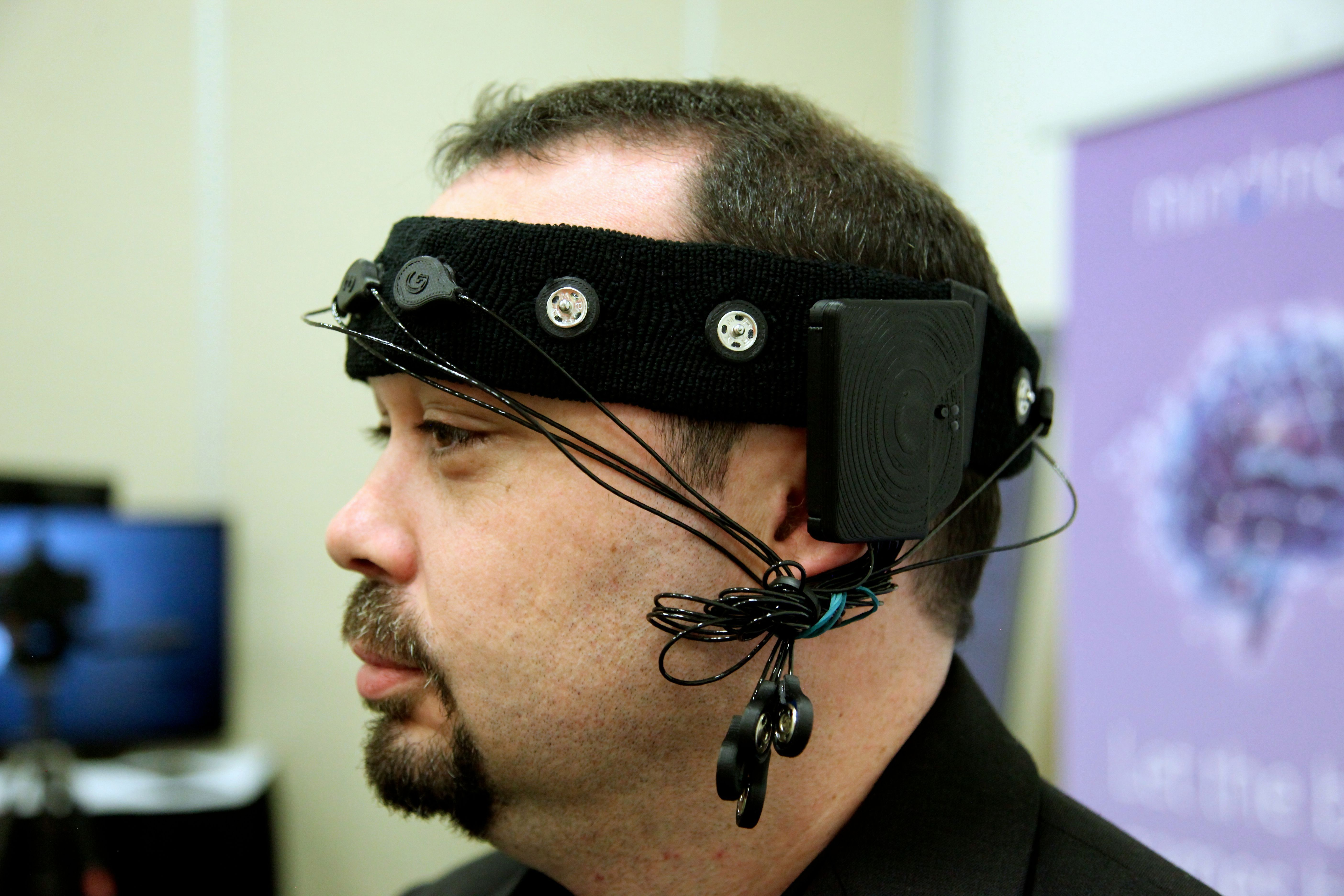 MindMaze's headset brings your brainwaves into virtual