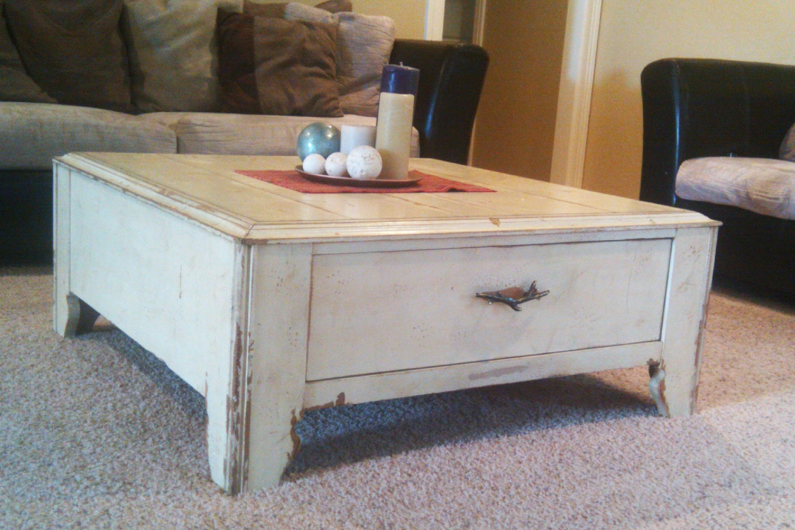 Distressed White Coffee Table Set