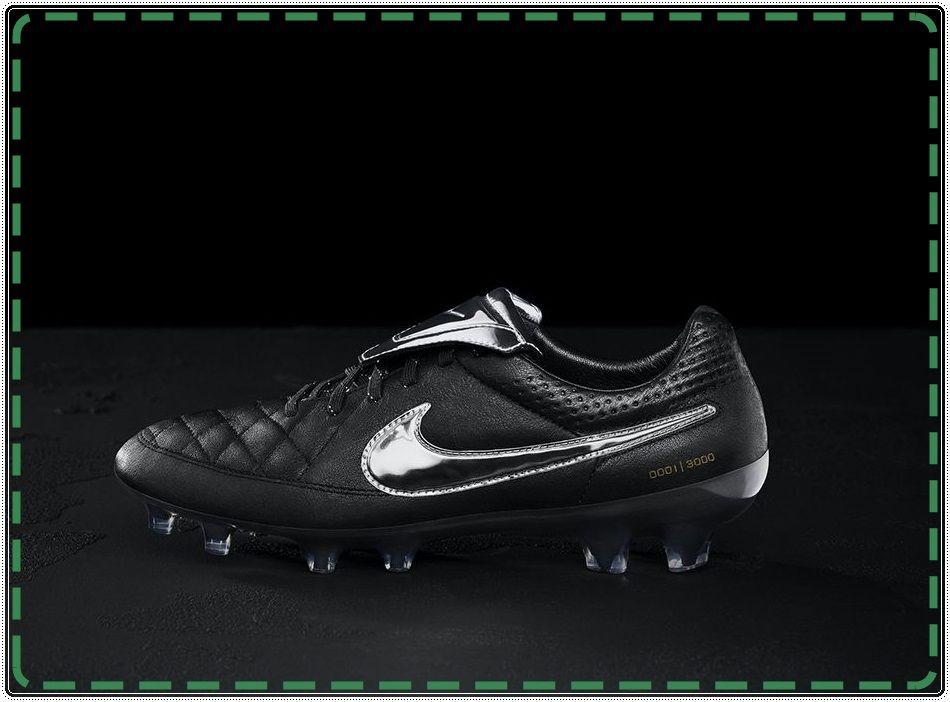 Fransesco Totti Jadi Ikon Sepatu Bola Baru Nike Nike Football
