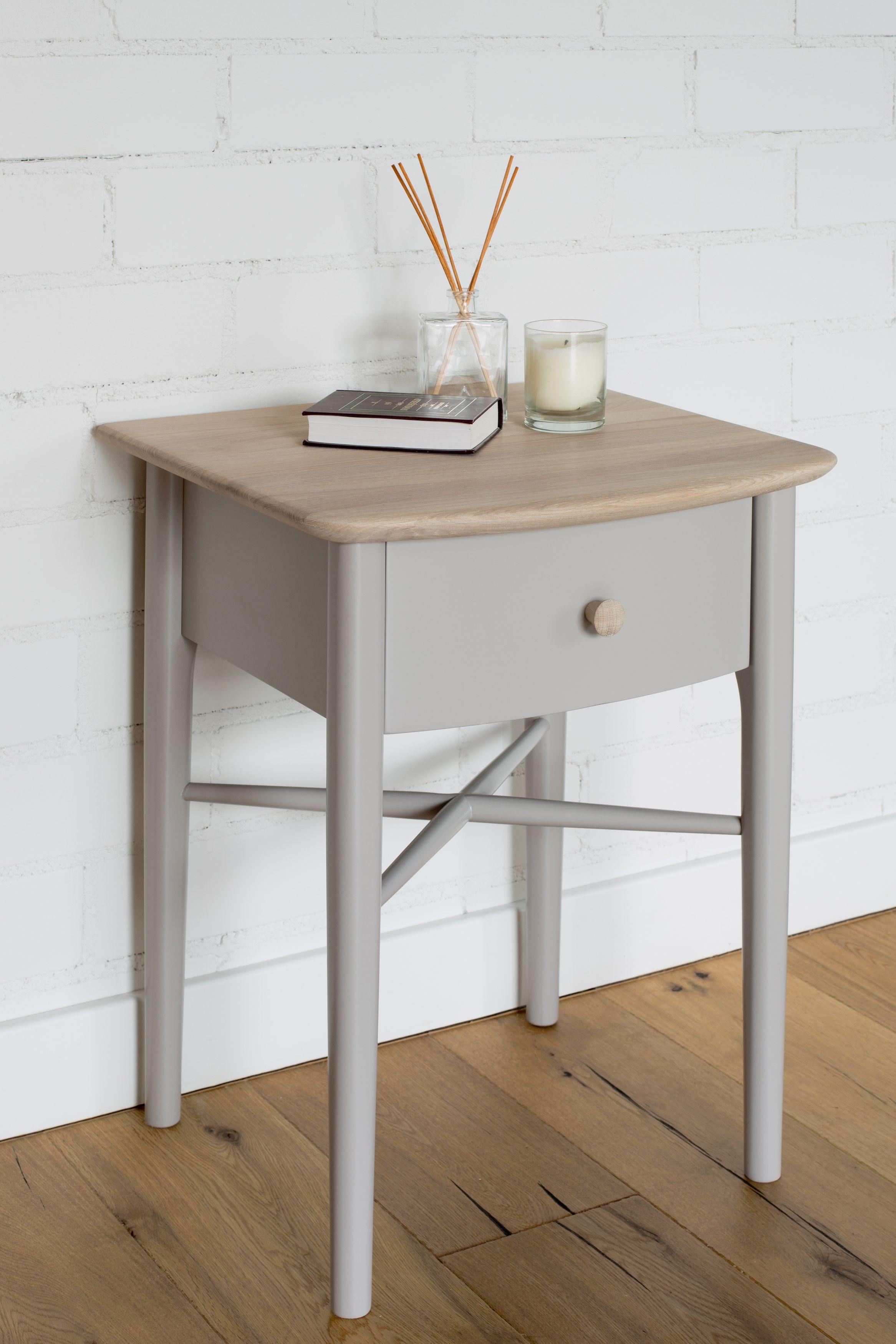 Elise Bedroom range: bedside chest 1 drawer / Elise Bedroom kolekcija:  spintelė prie lovos su stalčiumi.