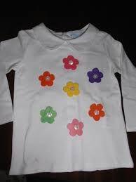 decorar camisetas con botones - Buscar con Google  1357af5e4771