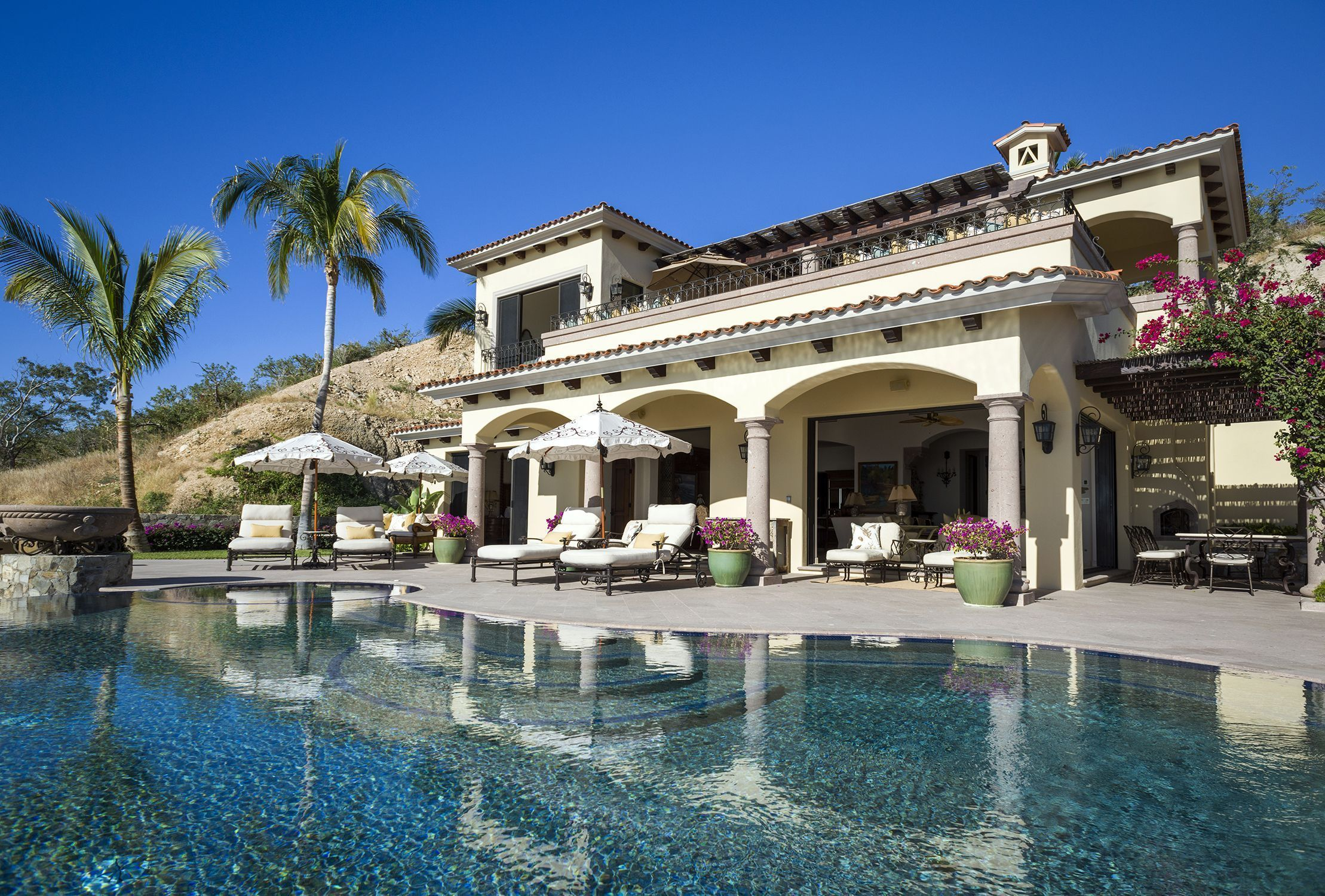 Lifestyle In Cabo Michael Baldwin Properties Sold Villa 710 Villas Del Mar Palmilla Los Cabos Mexico Inquire Info Li House Styles Mansions Property