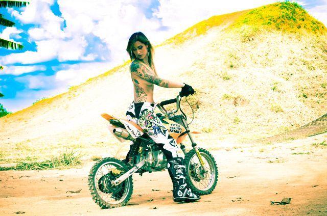 Metal Mulisha Maidens Moto Girls That Ride Simone From Brazil