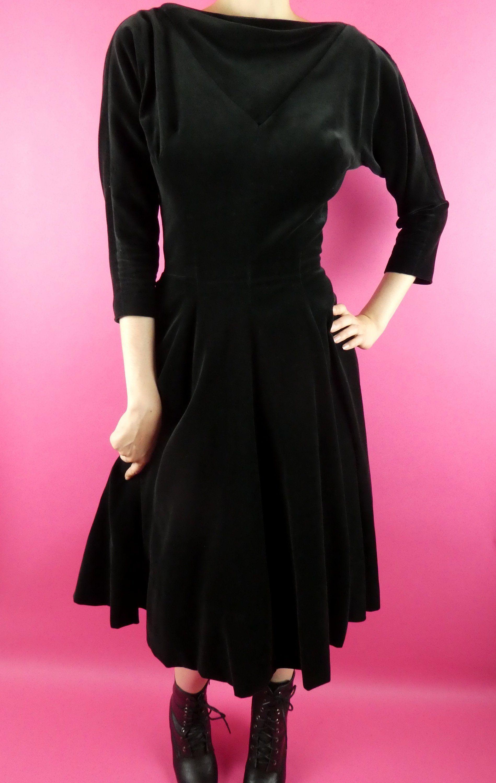 Vintage Velveteen Dress 1950s Black W Red Petticoat Jonny Herbert Original Size Extra Small By Sirensistersco On Etsy Velveteen Dress 1950s Dress Dresses [ 3000 x 1898 Pixel ]
