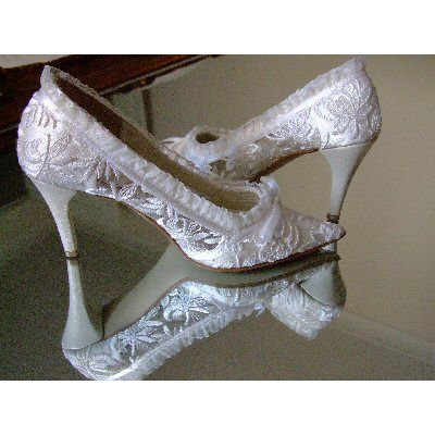 Ivory Lace Handmade Shoes For Brides