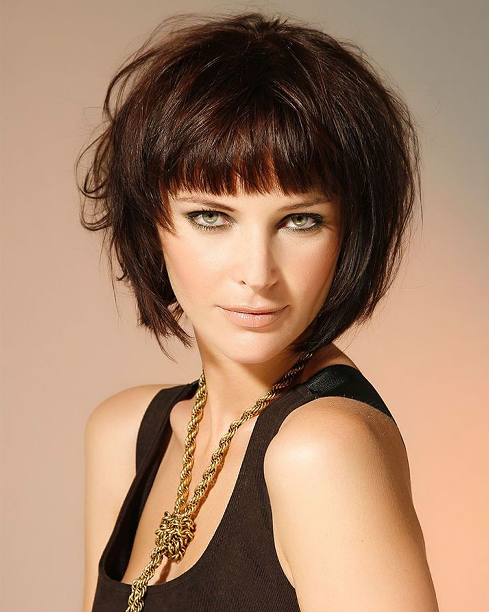 19+ Short hairstyles with bangs and layers ideas in 2021