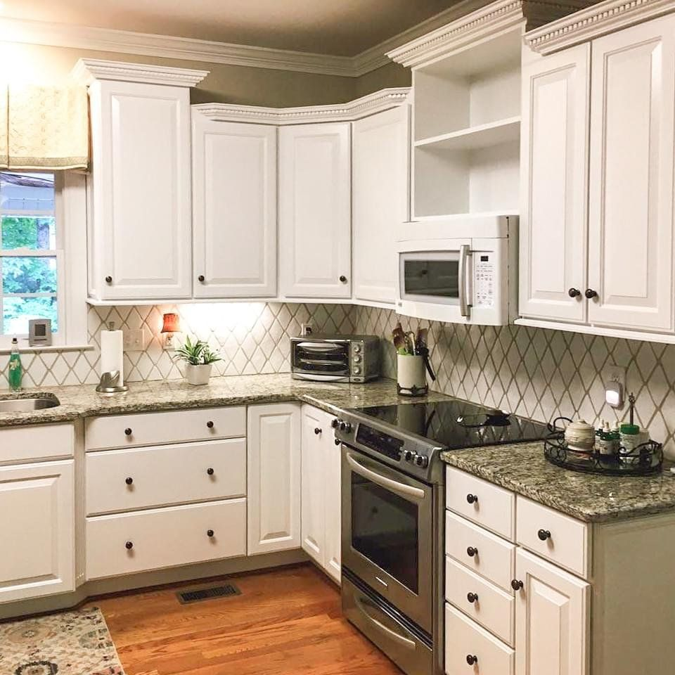 How To Paint Your Cabinets Like A Pro Kitchen Remodel Small Painting Cabinets Diy New Kitchen Cabinets