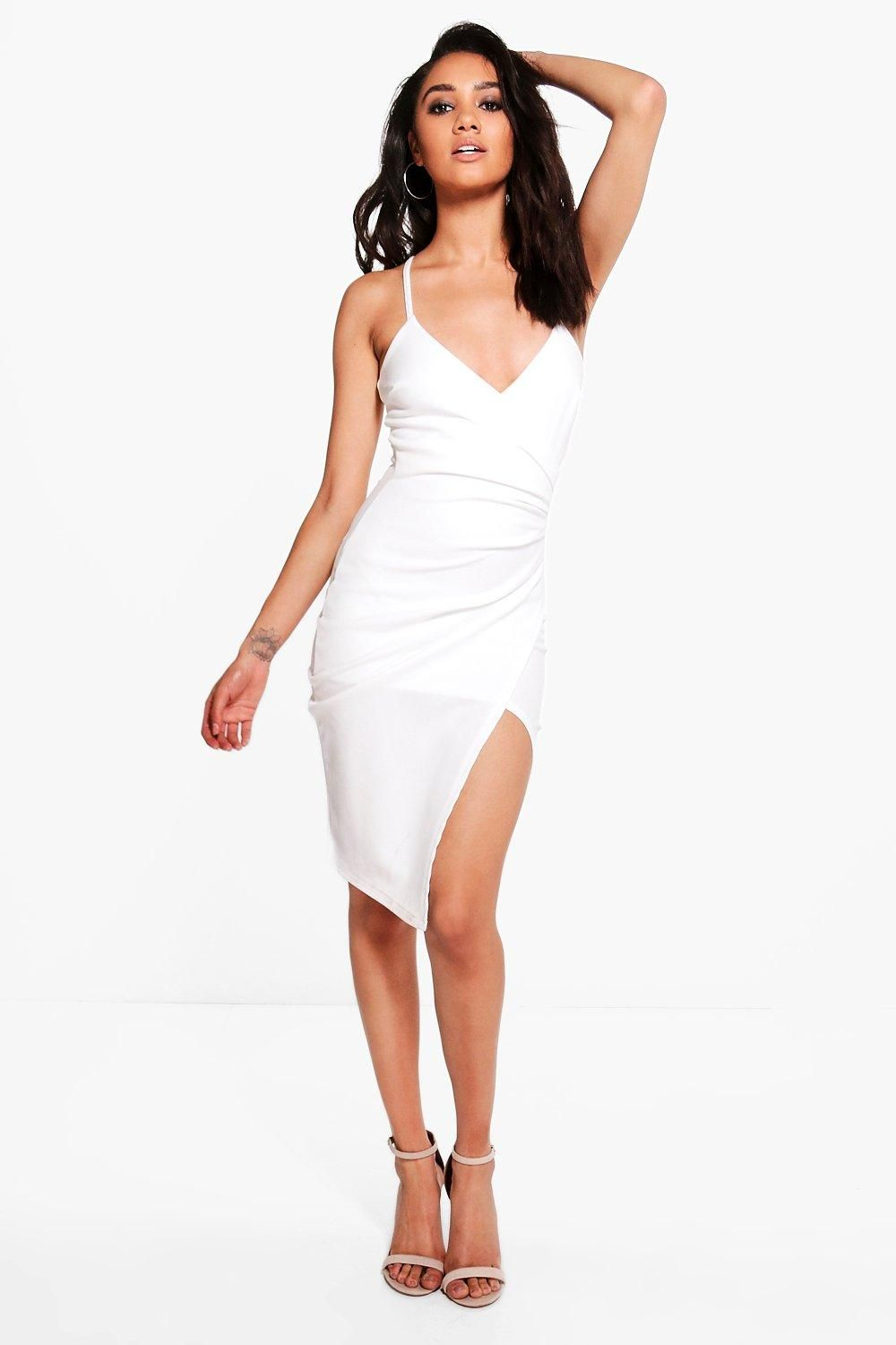 a3b35b6943b3c boohoo PETITE. Serving up the same statement styles in scaled down sizes, boohoo  Petite is your port of call for perfectly proportioned pieces designed to  ...