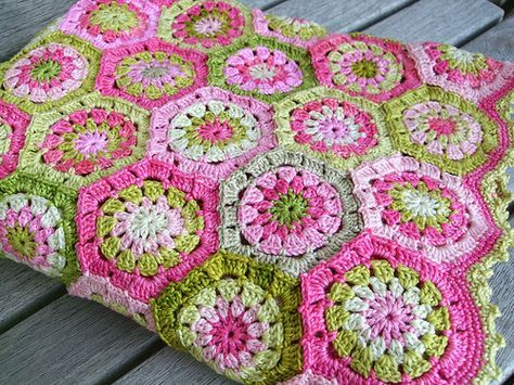 African Crochet Flower Pattern Projects You Will Love Yarn Crafts