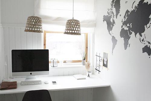 Foto Jorid Kvam Det er ikke alltid så mye som skal til, og med litt papirtape og noen prints får man et kult uttrykk på veggen, med akkurat den rammen