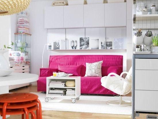 Розовый диван: яркие детали в интерьере | маленькие квартиры | Pinterest