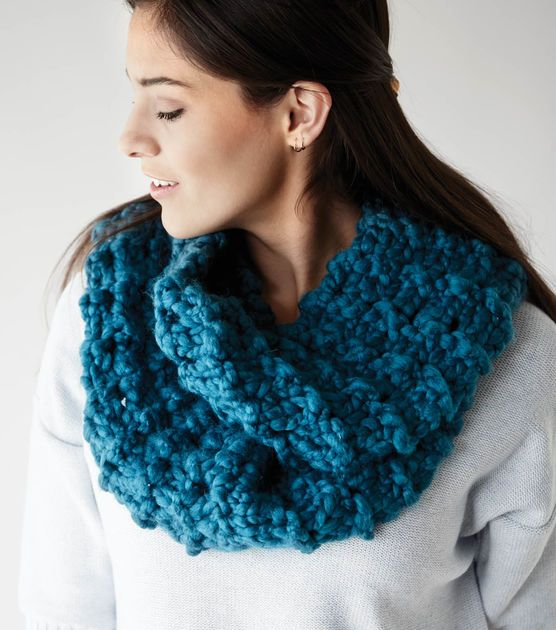 Paton\'s Cobbles Cowl | FREE knitting pattern | Knit with JOANN ...