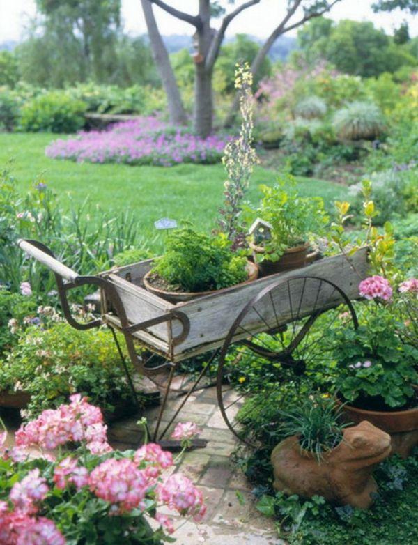 Exceptional Garten Designs Mit Dekoration Von Holzwagen Mit Blumen