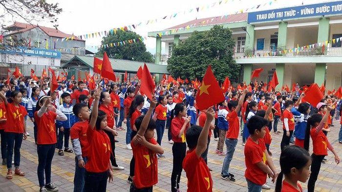 Áo cờ đỏ sao vàng trường tiểu học Đề Thám - Hình 2