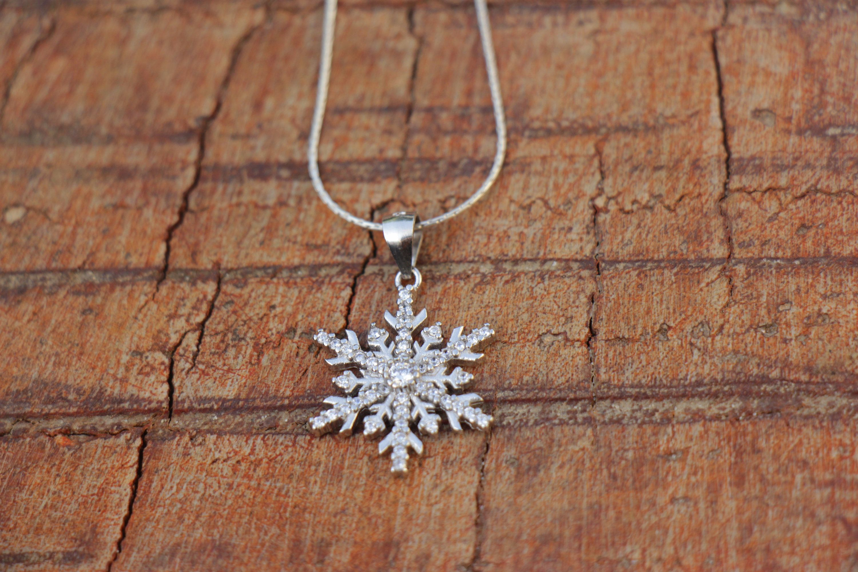 Snow flake necklace Bridesmaid Gift, Christmas present Dainty sterling silver gold filled Snow Flake necklace holiday gift gift idea