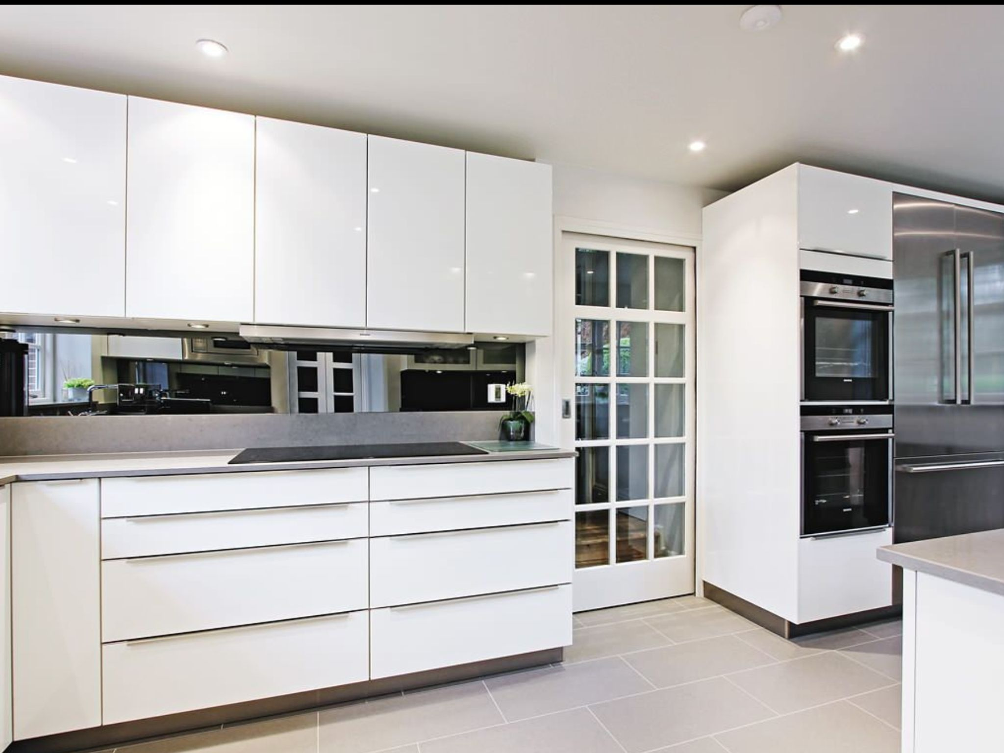 Kitchen High Gloss White Modern Kitchen