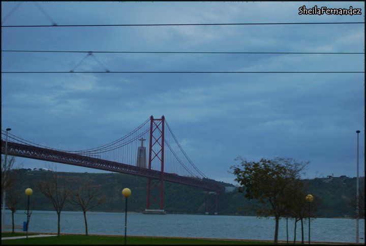 Puente Vasco de Gama, 25 abril y monumento Cristo de Rey Lisbon Portugal