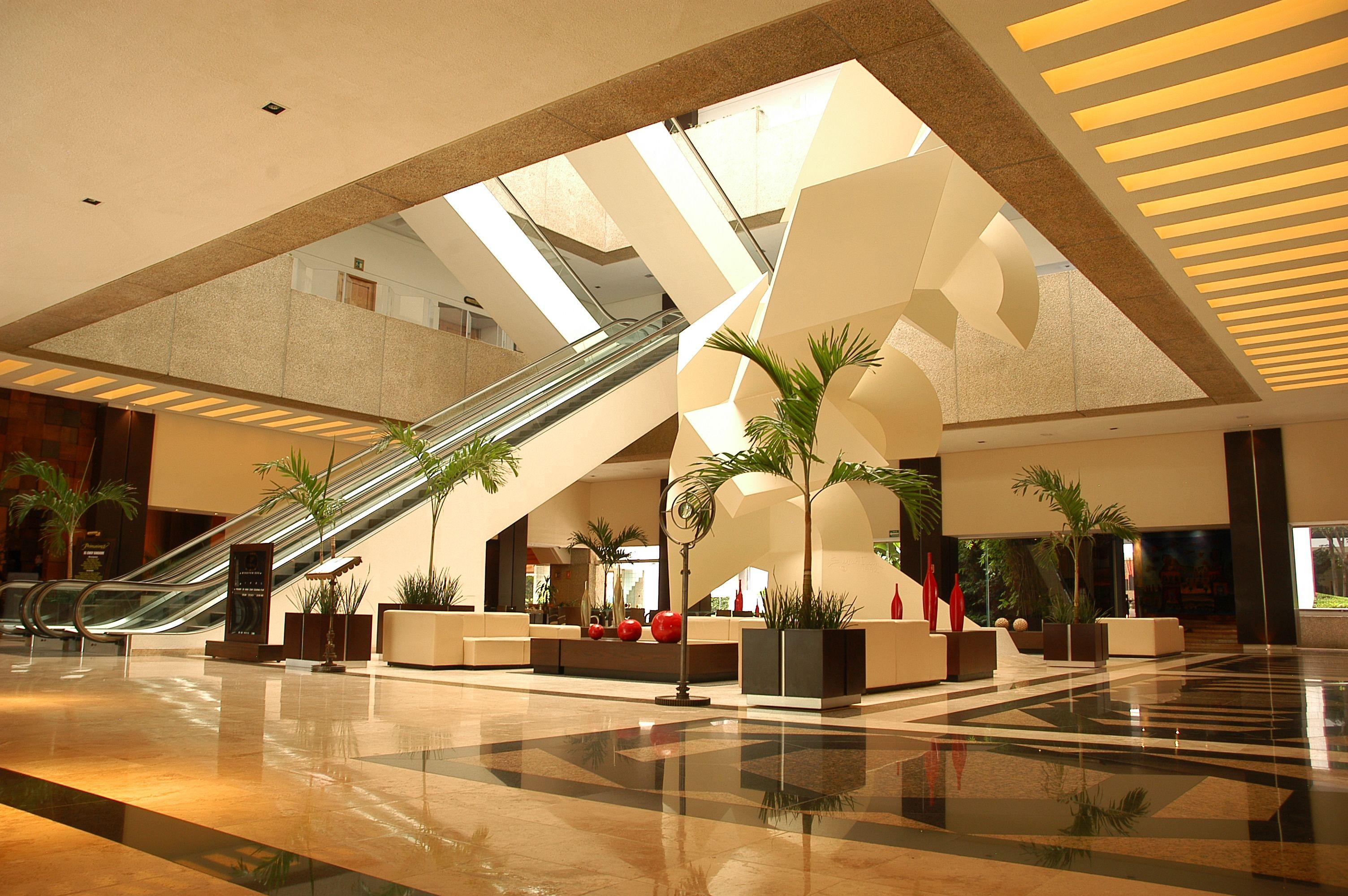 Amplitud Y Luminosidad En El Lobby Del Hotel Royal Pedregal Www Hotelesroyal Mx