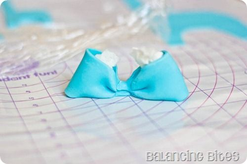 How to make a fondant or gum paste bow by Balancing Bites (8 of 23)