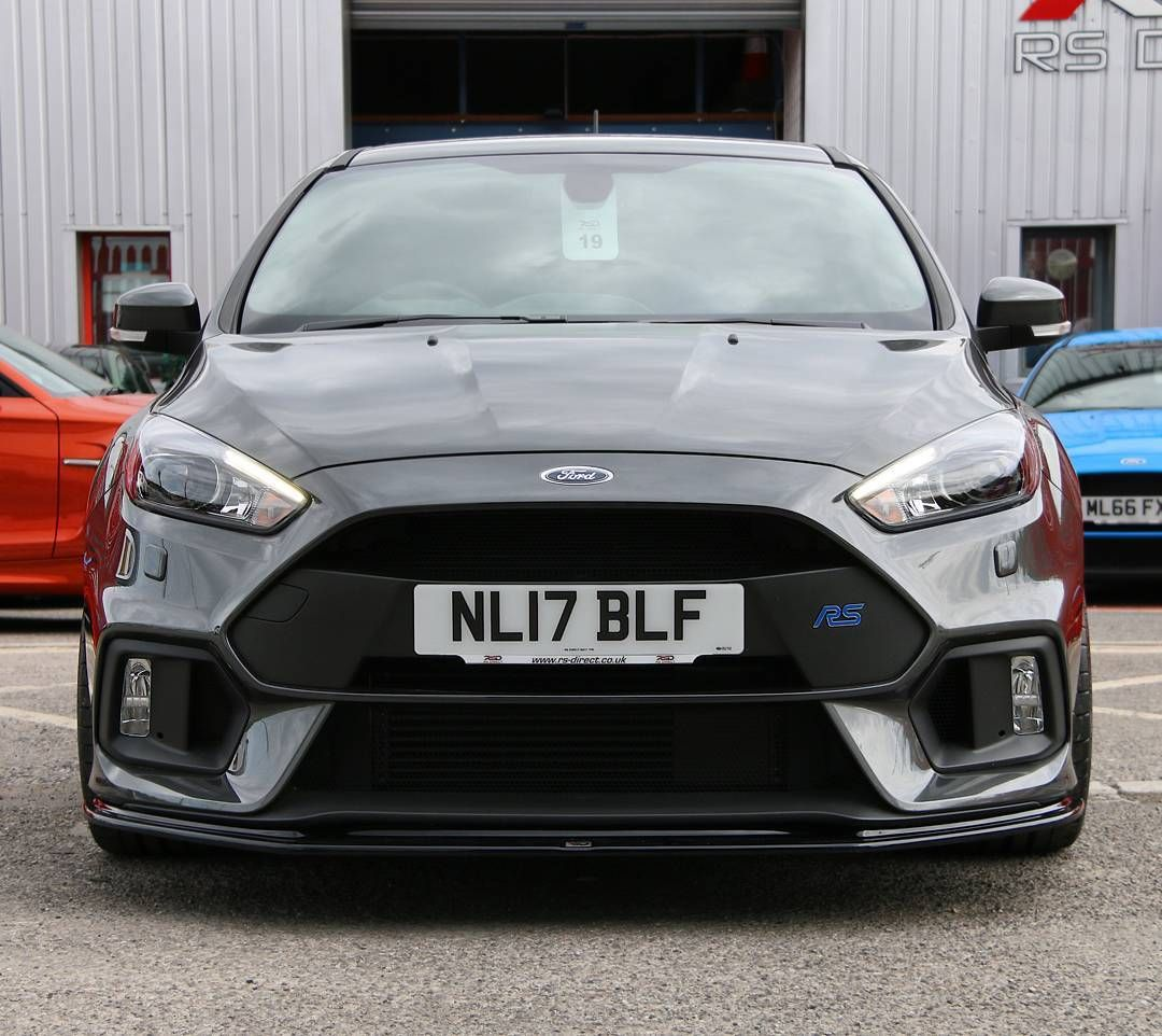 Freshening Up A Magnetic Grey Ford Focus Rs With A New Front Splitter Looks So Much Aggressive Ford Focus Rs Ford Focus Rs 2016 Focus Rs