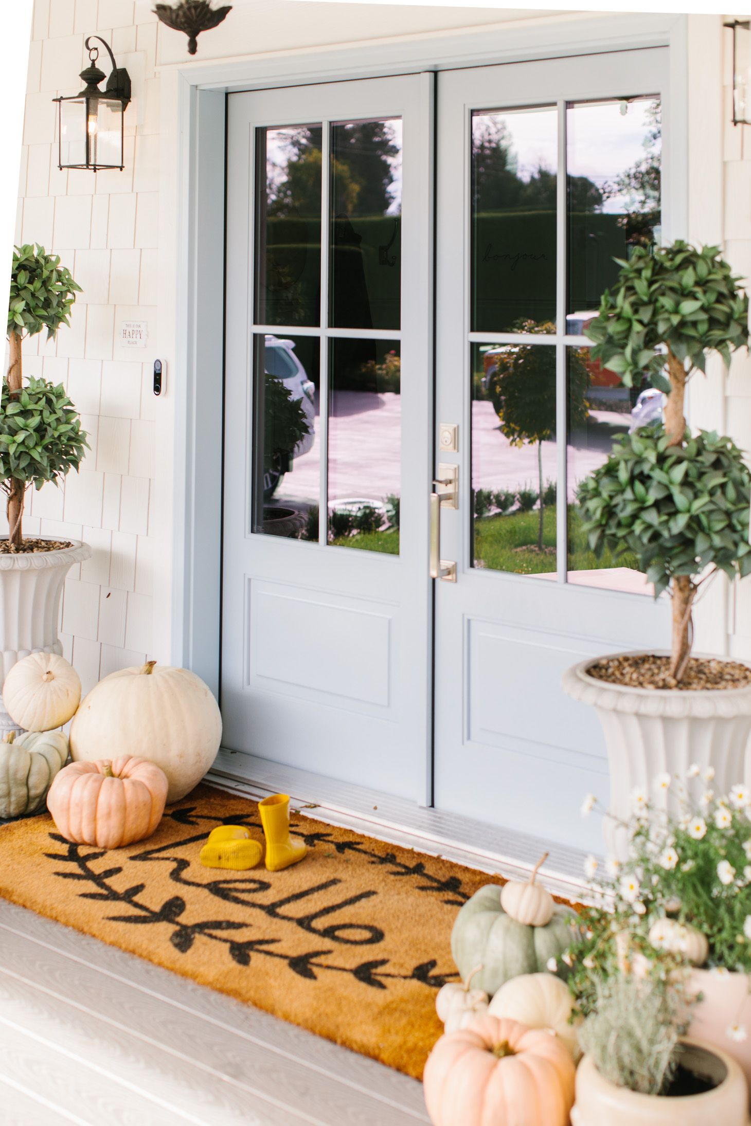 5 Ways to Cozy Up Your Home for Fall