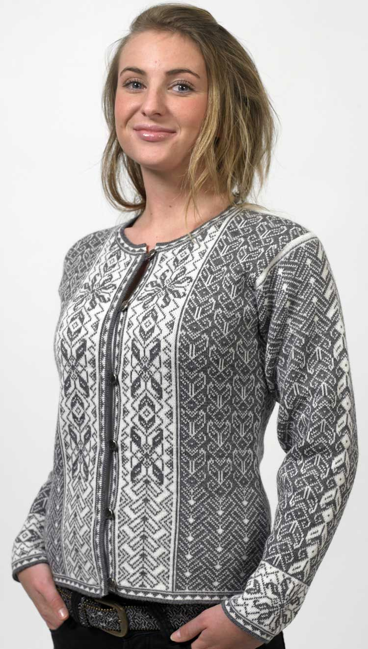 Traditional Norwegian Sweater, if only they weren\'t all made of wool ...