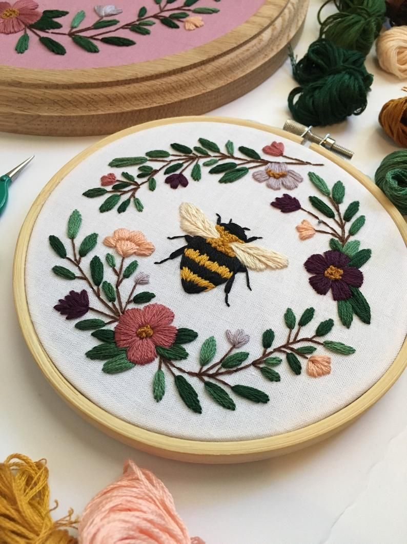 Instant Download PDF, Embroidery Pattern, Bee Embroidery, DIY Digital Downloads, Bee Embroidery Pattern, Bee Decor, Maggie Jos Studio
