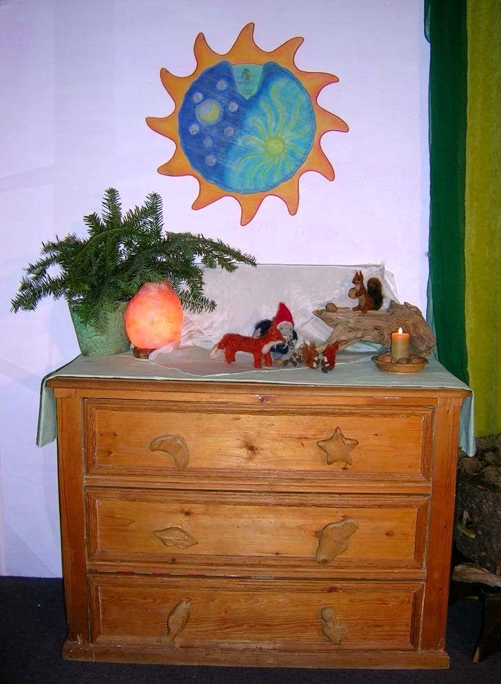Jahreszeitentisch im Februar, Jahreszeitenuhr, Waldorfkindergarten, Monatsfeier