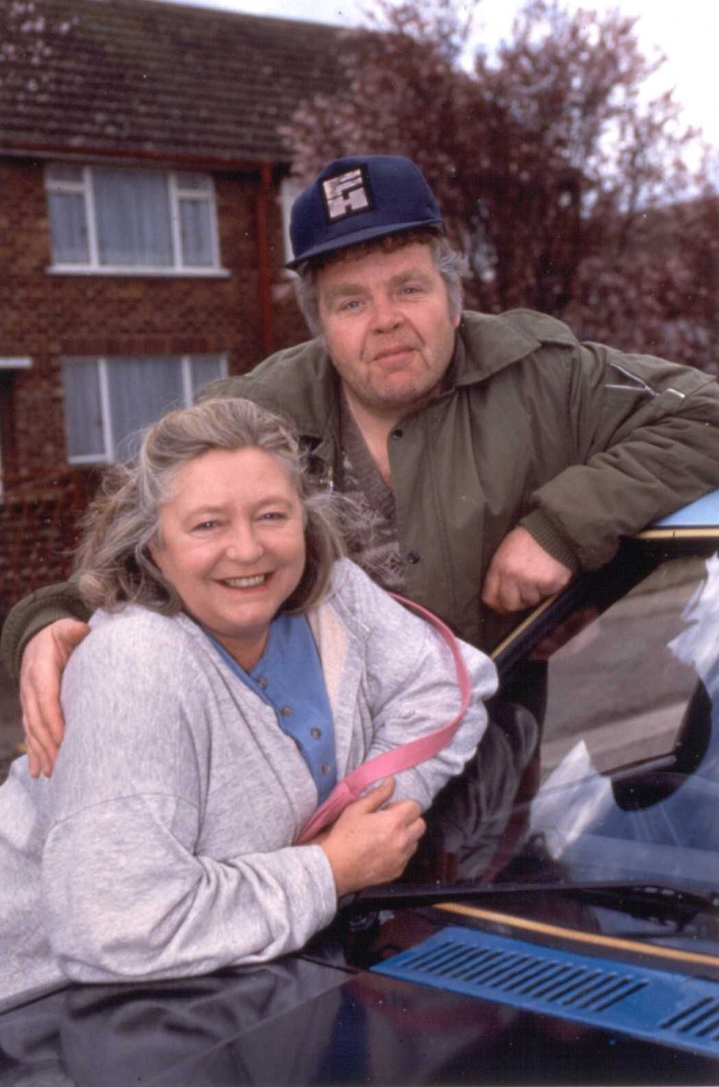Keeping Up Appearances.... Onslo and Daisy, | The 90s | Pinterest ...