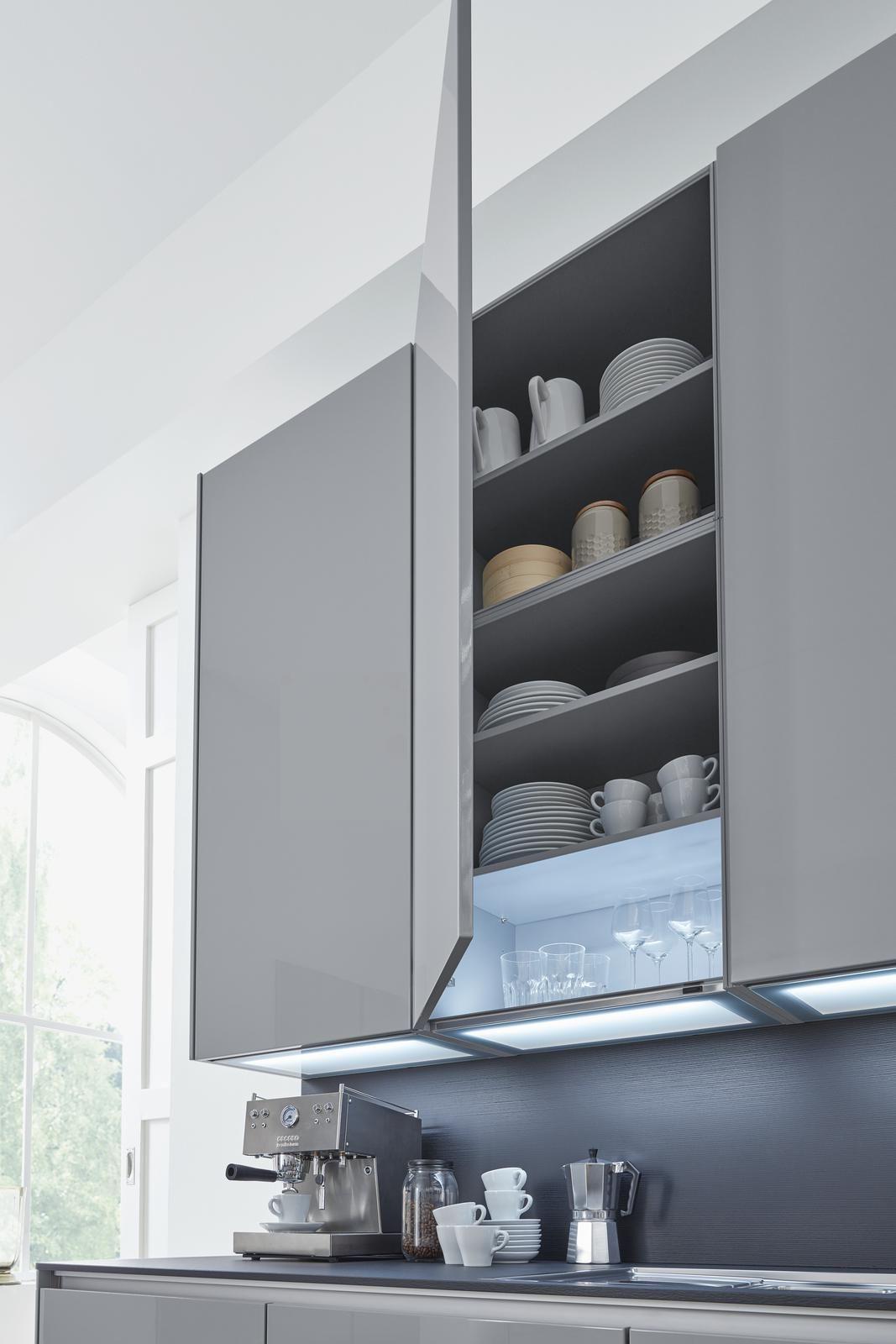 Extra hohe Hängeschränke in der Küche  Küche, Traumküche