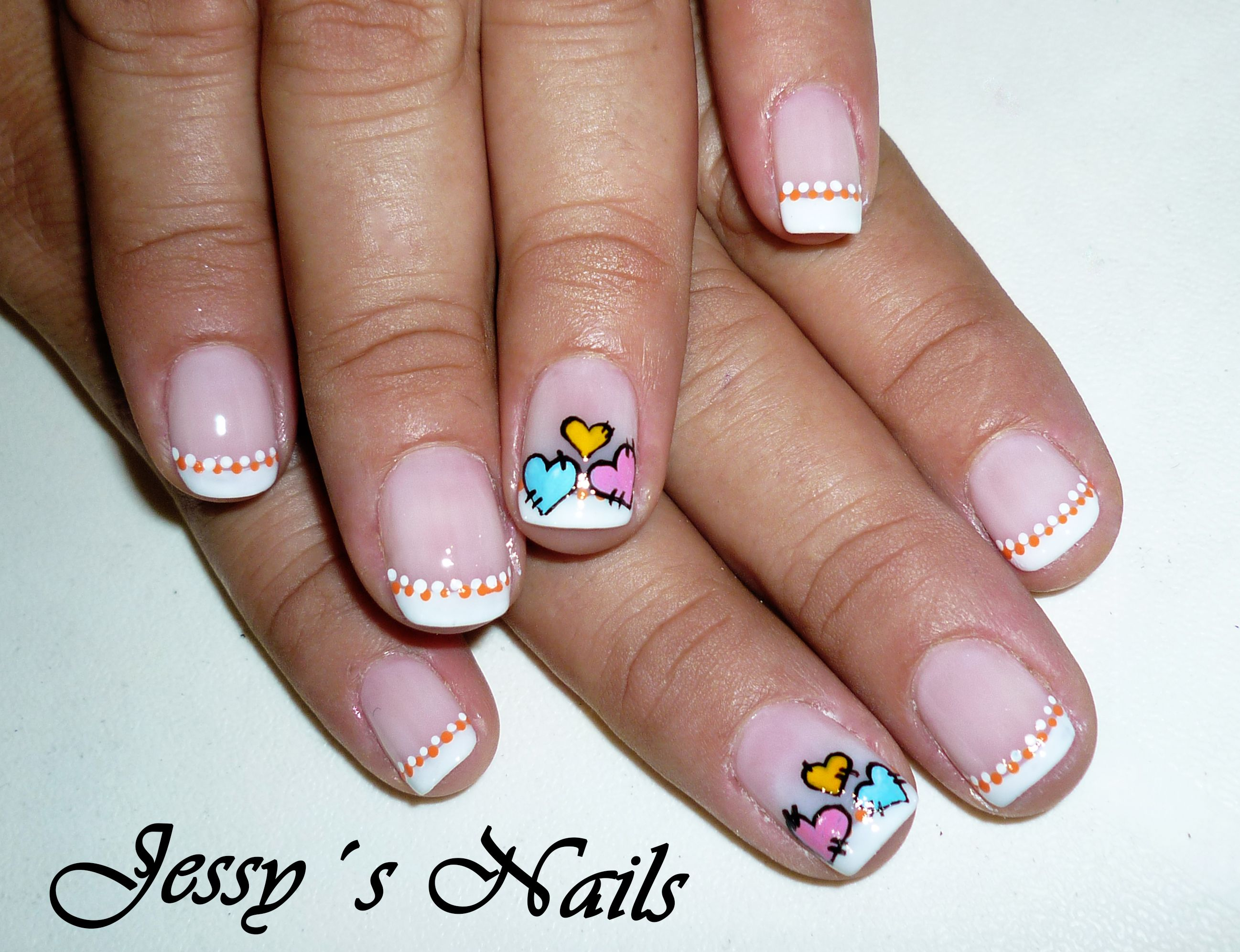 Uñas Decoradas Con Corazones Y Puntos Pretty Nails Pinterest