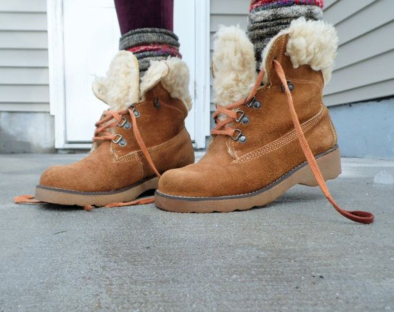 caa2111c50e Items similar to 1970s Vintage Thom McAn Shearling Chestnut Brown Leather  Snow  Hiking Boot 8M on Etsy