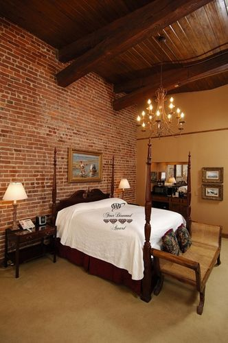 Ansonborough inn charleston sc i know tony would like - 2 bedroom hotels in charleston sc ...