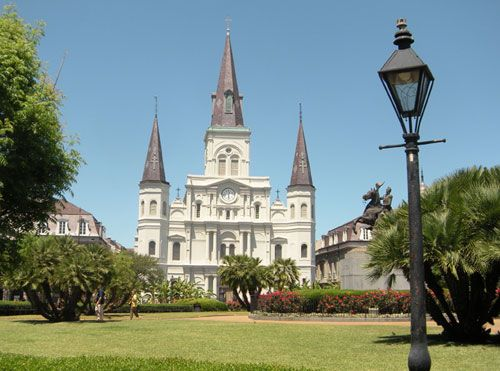 Lifestyles & Living Guide - New Orleans - Attractions - St Louis Cathedral