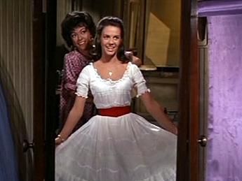1961 - Rita Moreno & Natalie Wood - West Side Story | 1961 ...