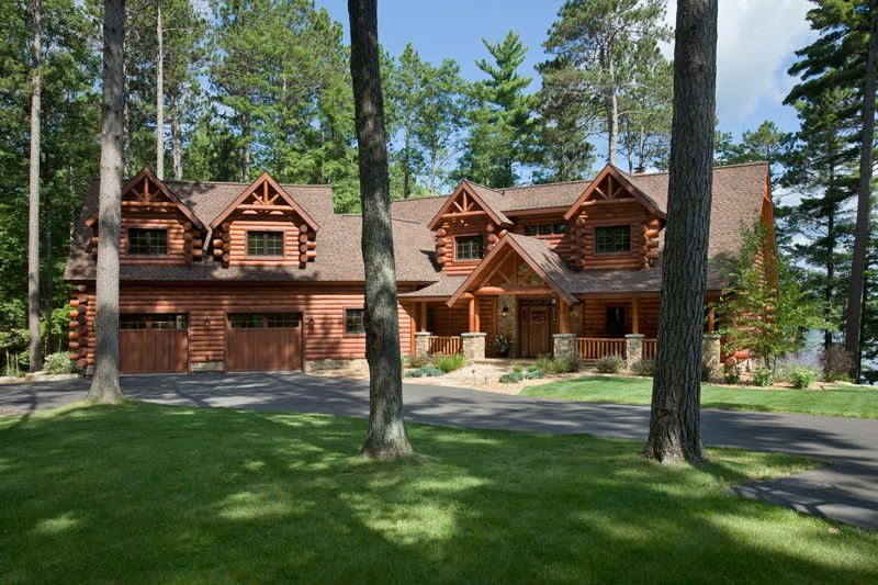 Craftsmanship Abounds In A Wisconsin Half Log Home Log Homes