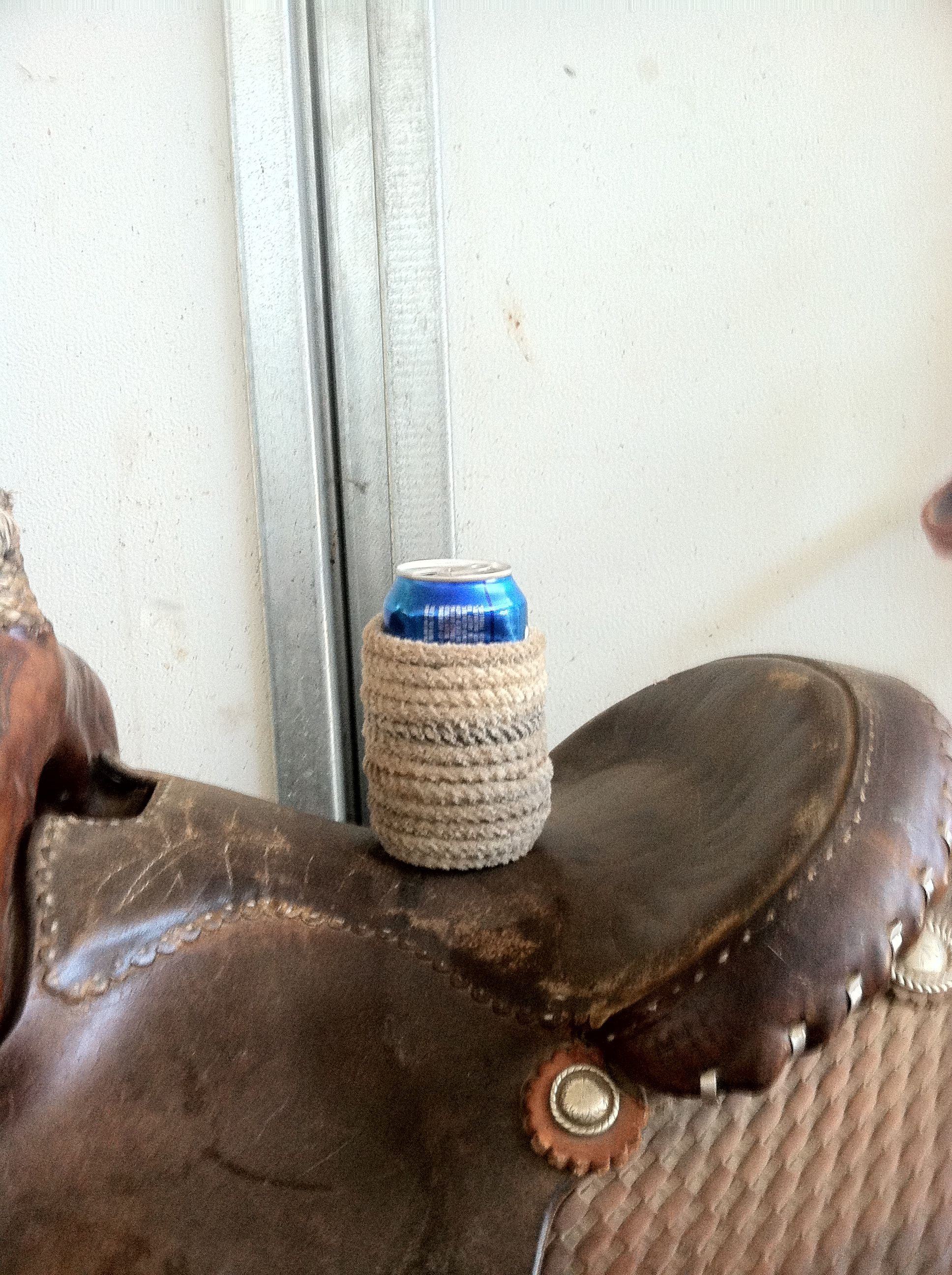 Add western flair to your beer can. $10