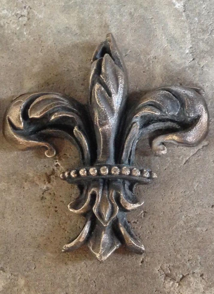 Queenberry Breloque en argent sterling Fleur de lys Fleur Scout badge Dangle europ/éenne Charm perle