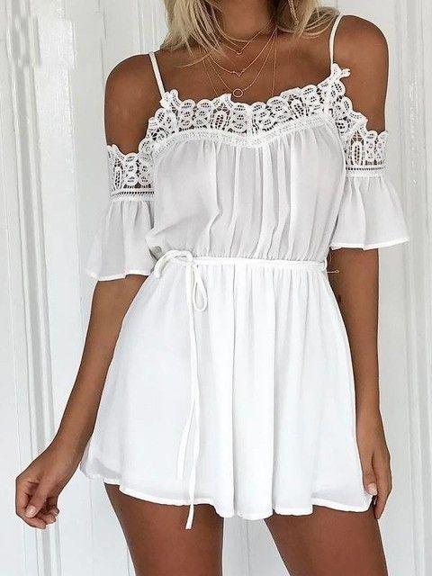 bfcd4b217 Macaquinho Branco Detalhe em Renda   moda em 2019   White playsuit ...