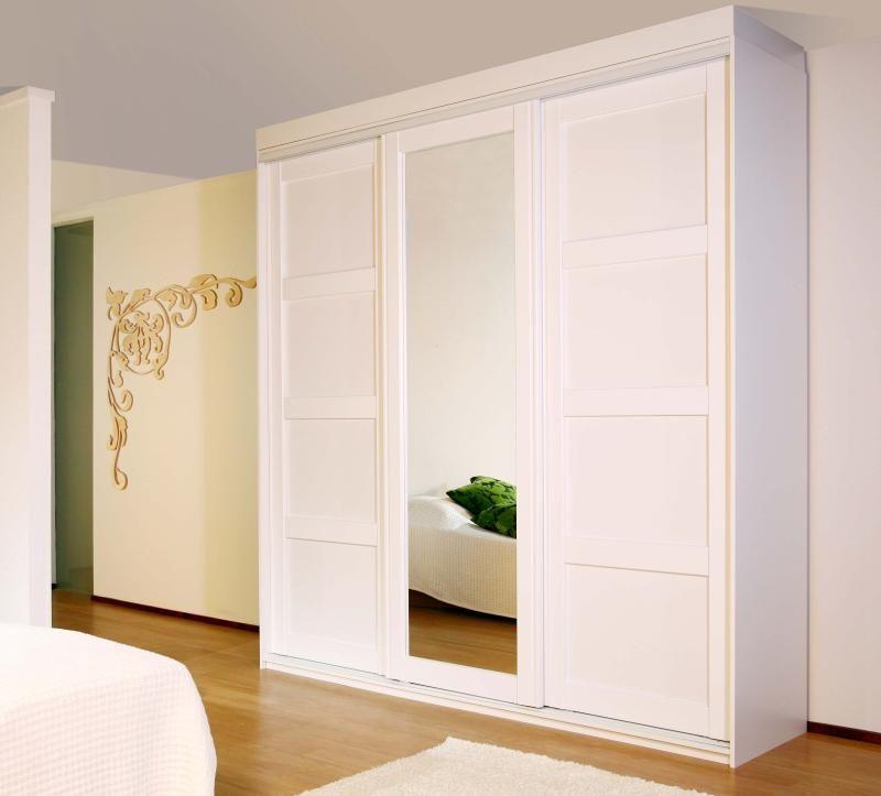 Oberon-liukuovi kirkas peili + Berenike valkoinen #liukuovet #makuuhuoneenkaappi #vaatekaappi