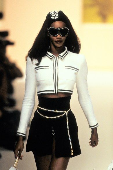 Photo of Chanel Spring 1995 Ready-to-Wear Collection