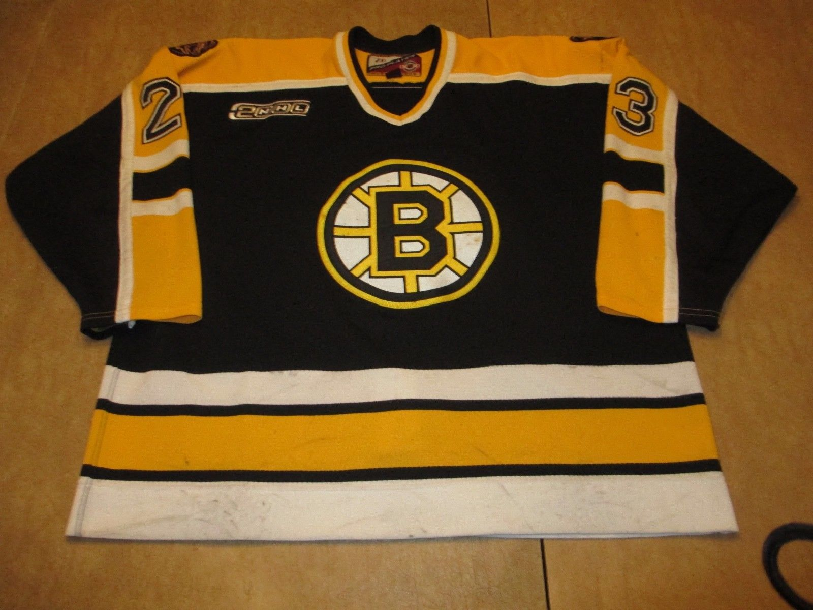 brand new 69cb1 ef415 Steve Heinze Boston Bruins Game Worn Jersey 99/00 Set 2 Good ...