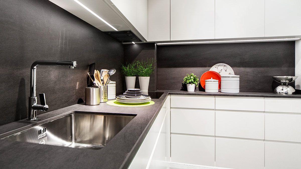 Cocina blanca y negra serie leipzig muebles de cocina en - Cocinas blancas y negras ...