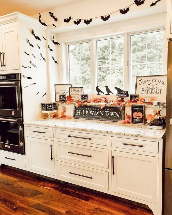 Photo of 31 Haunted Farmhouse Halloween Decorating Ideas » Lady Decluttered