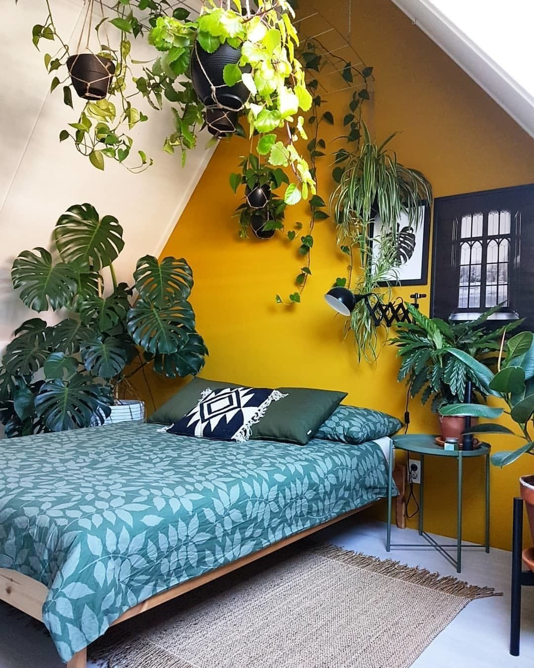 Transform your bedroom into your private jungle! Image by