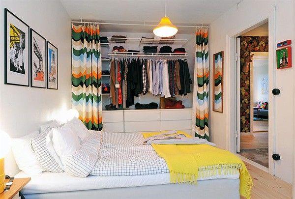 offener kleiderschrank ideen schlafzimmer vorhänge verstecken ...